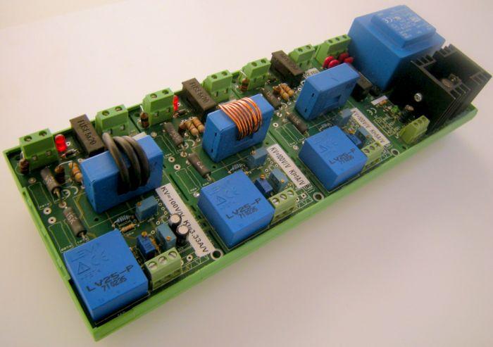 Sonda corrente/tensione trifase con neutro 700V001A con alimentatore